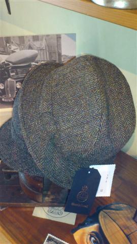 Sombreros modelo inglés de HarrisTweed.