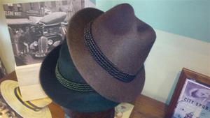 Sombreros Tiroles. Fieltro con pelo.