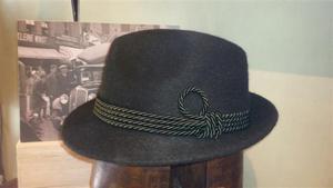 Sombrero Tiroles color Verde. Fieltro con pelo.