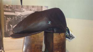 Gorra Boton Piel marrón 20suede-1004