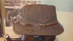 Sombrero de Donegal Tweed con cinta de cuero.